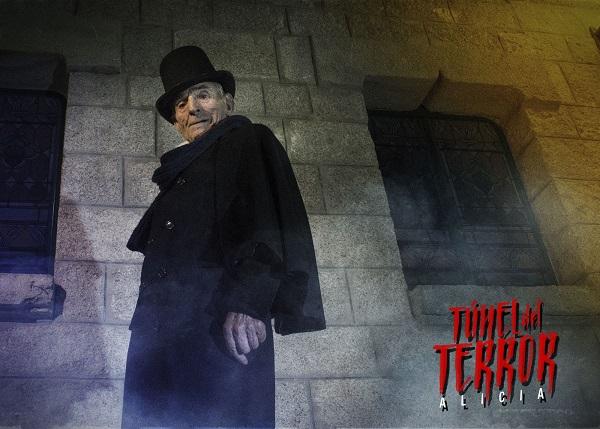 Saturnino García como El Ladrón de cadáveres del Túnel del Terror