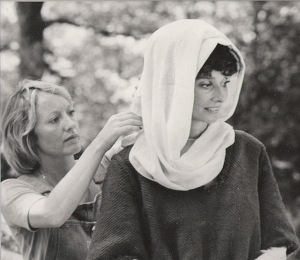 Yvonne Blake and Audrey Hepburn filminf Robin & Marian